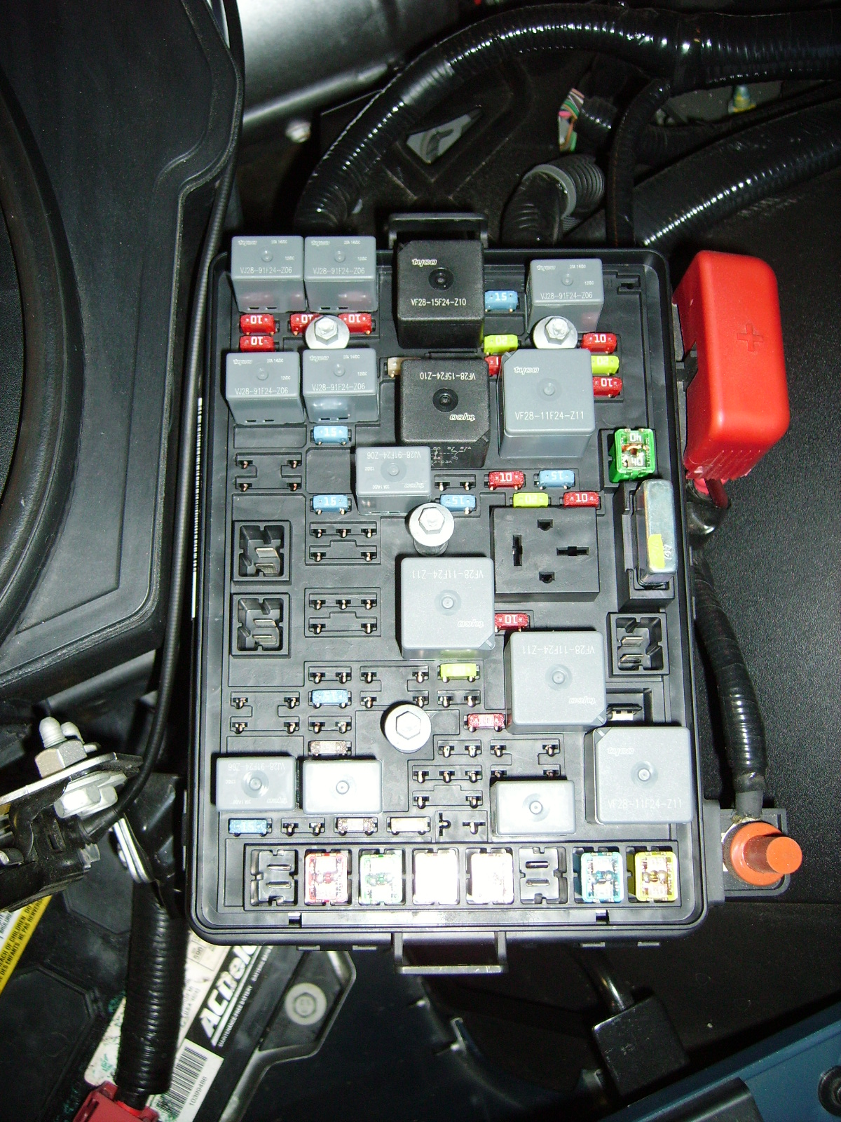 Click image for larger version Name: Fuse Box Under Hood.JPG Views: 1253