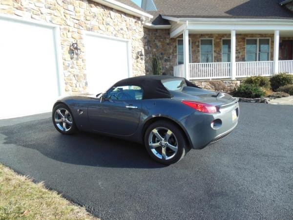 Showcase cover image for ken's 2008 Pontiac Solstice