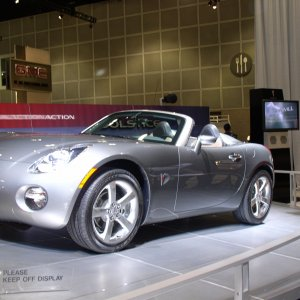 LA Autoshow Pictures of the Pontiac Solstice