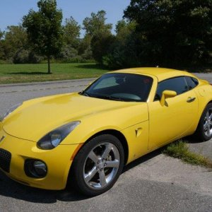 mean/yellow coupe - 107275
